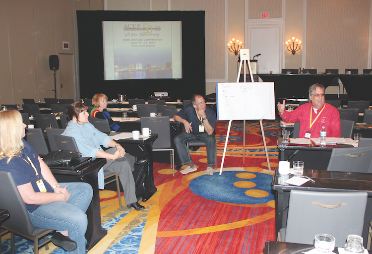 At ACUP 2015, Dave Hadenfeldt led a roundtable discussion on niche services being offered by in-plants.