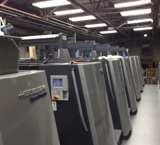 The 40 ˝ press provides six-color printing and can coat paperboard in a single pass.